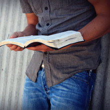 bible-study-religious-stock-images3